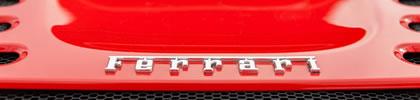 Ferrari, ¿marca de lujo o automovilística?