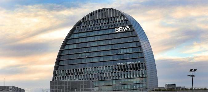 BBVA presenta potencial a doble dígito en el mercado