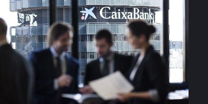Caixabank apura su recorrido en solitario