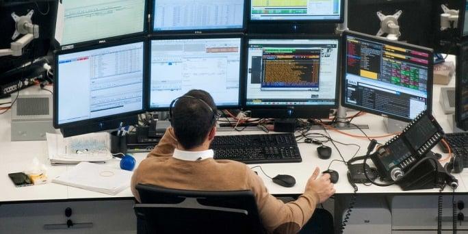 Almirall, ACS, CIE y Repsol, las compañías con mayor recomendación de compra del Ibex 35