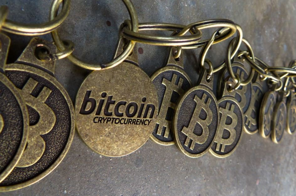 El halving de Bitcoin seduce a mineros e inversores