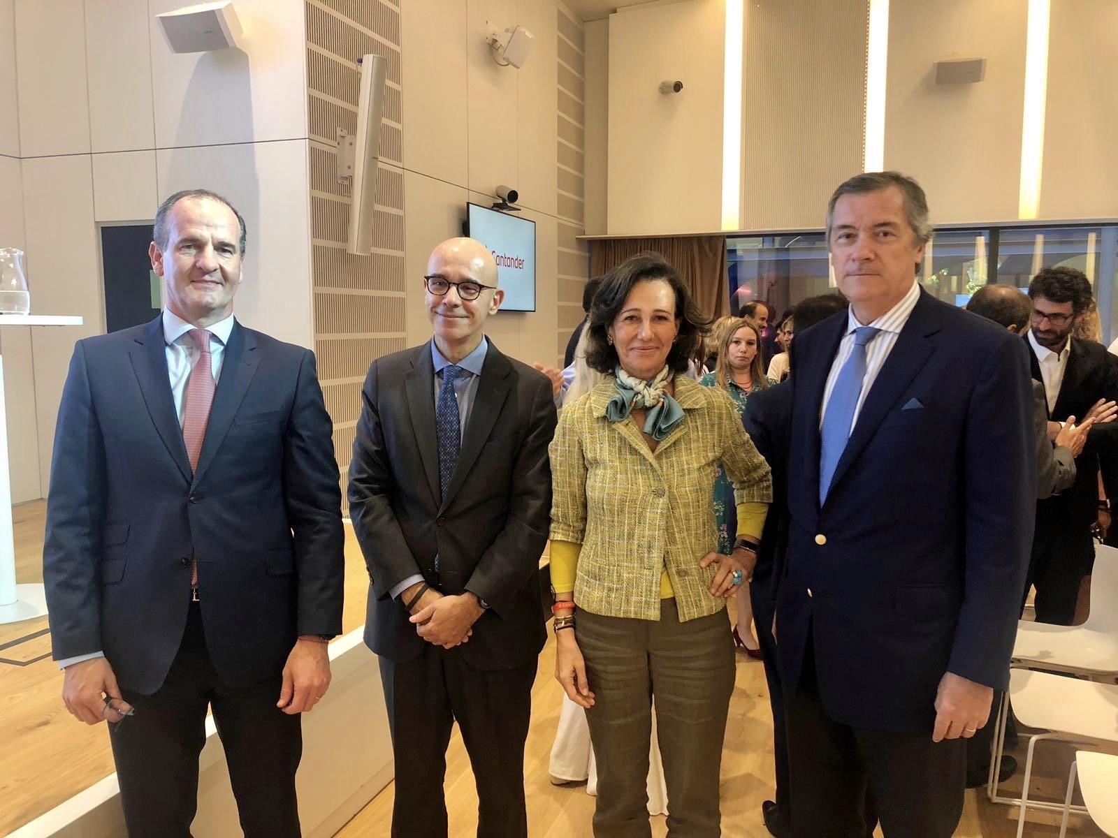 Ana Botín, presidenta de Banco Santander, en una visita reciente a Argentina