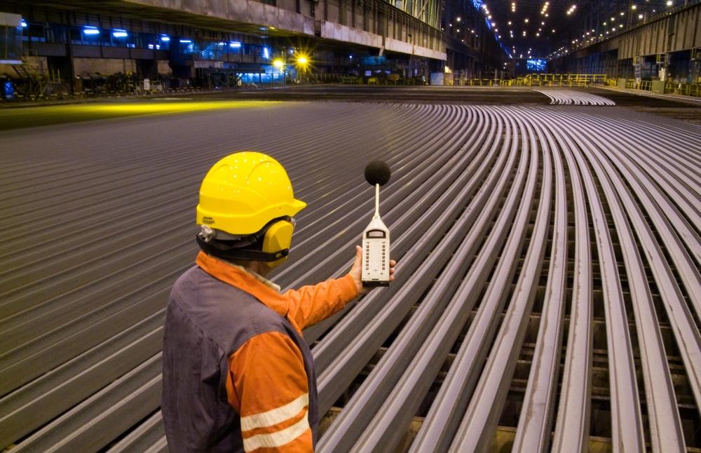 Las acciones de Acerinox y Arcelormittal suben en torno al 10% en el Ibex 35