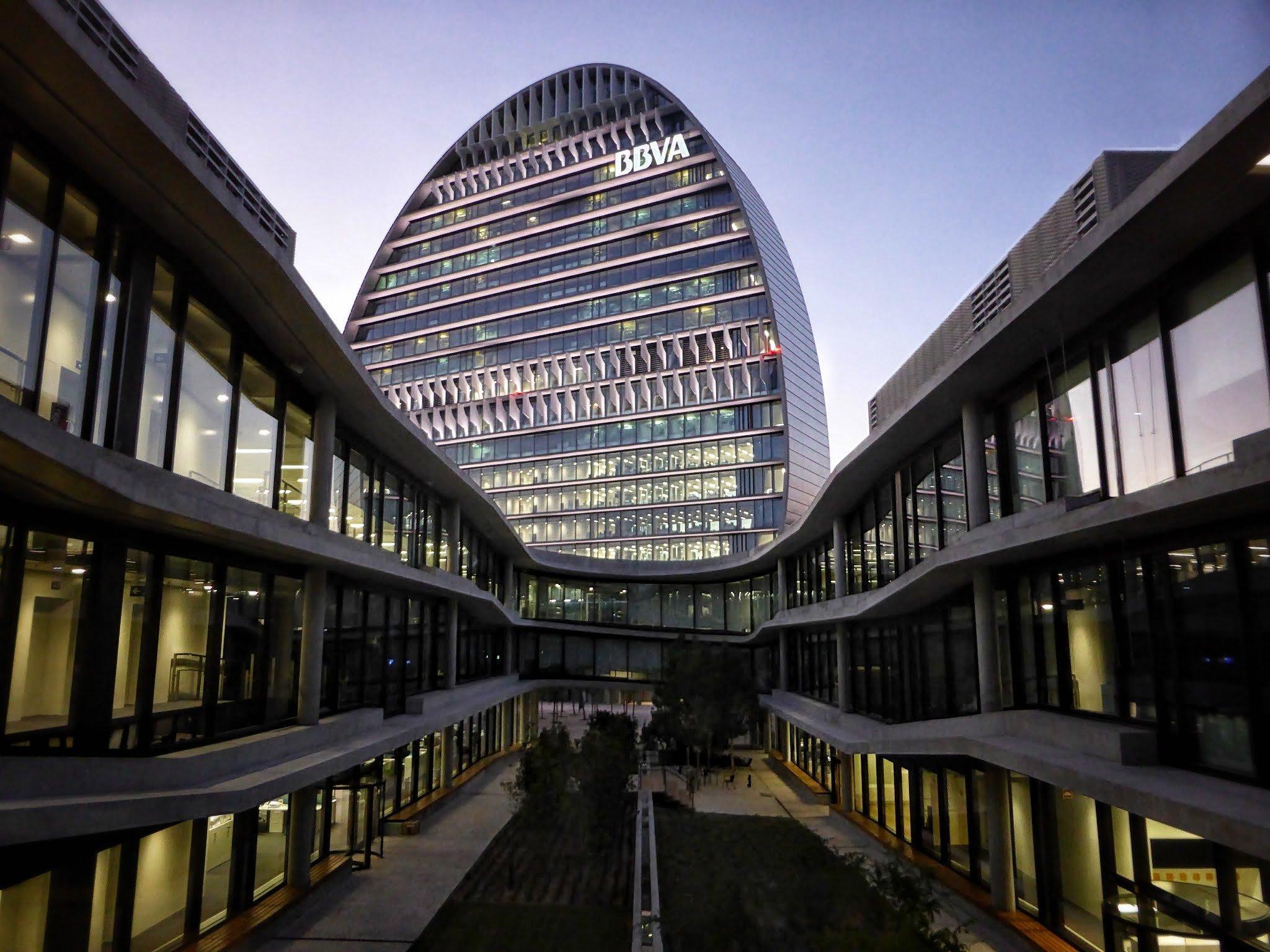 UBS ajusta su precio en BBVA pero le da un potencial alcista del 25%