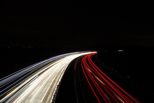 Los automóviles tradicionales están dando paso a los vehículos eléctricos