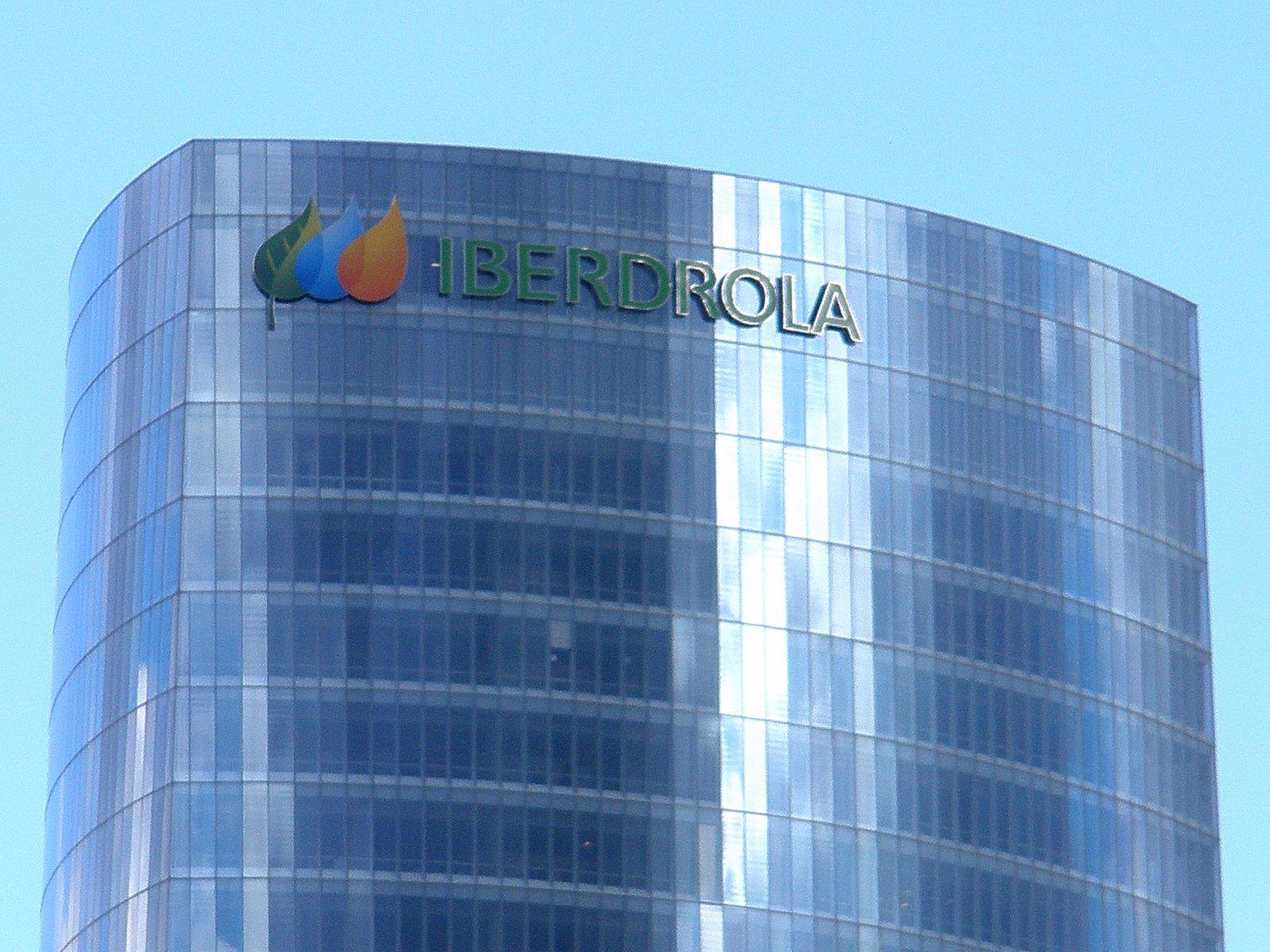 El beneficio de Iberdrola cae un 13,5 % y sus acciones suben en el Ibex 35