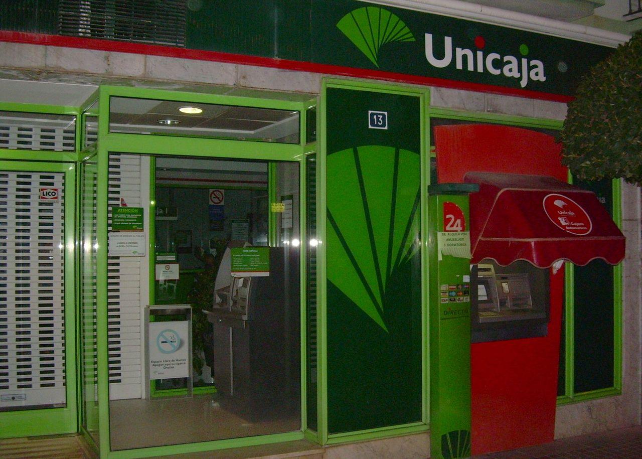 Unicaja y Liberbank exploran su fusión y se disparan en Bolsa
